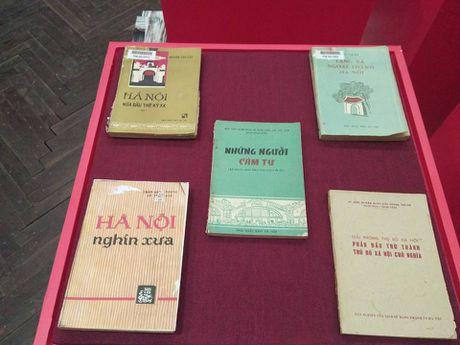 Tang 1.000 buc Hoa do Hoang thanh Thang Long cho doc gia den Dai hoi sach cu - Anh 1