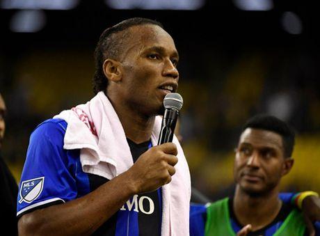 Drogba mang lai tin vui cho gioi ham mo Chelsea - Anh 1