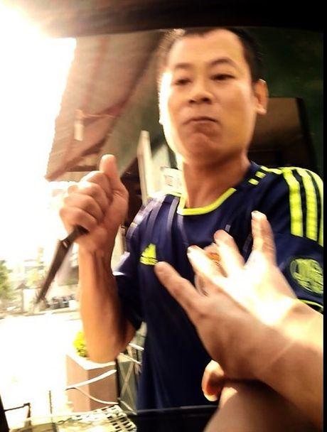 Bi thu Thanh uy Ha Noi chi dao lam ro phan anh 'dung dao cuong doat tien gui xe o Linh Dam' - Anh 1