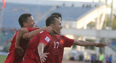 Trong Hoang ghi ban vao luoi Malaysia, tuyen VN thang tien ban ket AFF Cup - Anh 1