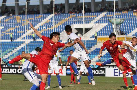 Trong Hoang ghi ban vao luoi Malaysia, tuyen VN thang tien ban ket AFF Cup - Anh 2