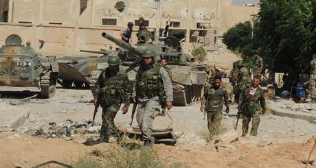 Ve binh Syria tap kich du doi phien quan o ngoai vi Damascus - Anh 1