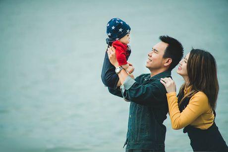 To am dang ghen ty cua Miss Teen Huyen Trang - ca si Trieu Hoang tren dat My - Anh 6