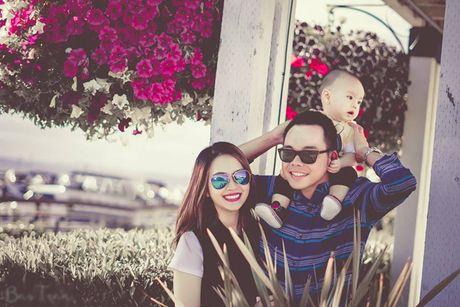 To am dang ghen ty cua Miss Teen Huyen Trang - ca si Trieu Hoang tren dat My - Anh 9