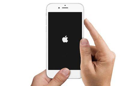 Can trong voi doan video khien moi iPhone te liet - Anh 2