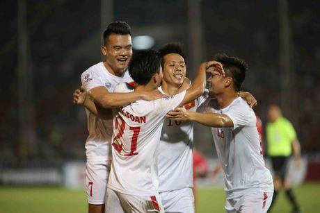 Truc tiep Viet Nam – Malaysia: Thanh Luong du bi, Van Toan va Dinh Dong mat cho - Anh 2