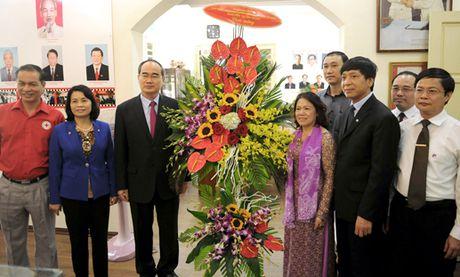 Chu tich Nguyen Thien Nhan chuc mung Hoi Chu thap do Viet Nam - Anh 2