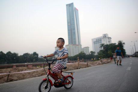 Chan mot chieu duong Kim Ma thi cong Metro - Anh 7