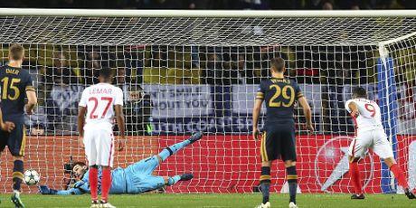 Tottenham chia tay Champions League sau that bai 1-2 - Anh 4