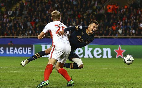 Tottenham chia tay Champions League sau that bai 1-2 - Anh 8