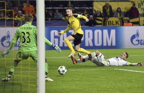 Reus ghi hat-trick trong tran dau lap ky luc ban thang - Anh 9