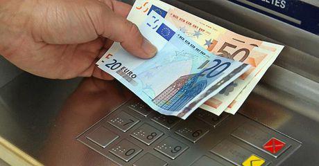Hack ATM tu nha hang trieu USD tai nhieu nuoc - Anh 1