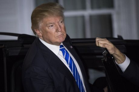 Kich 'am sat Trump' gay chan dong - Anh 1