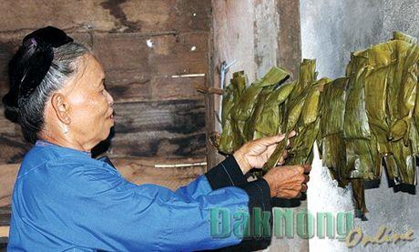 """Banh """"Peng tai"""" – Dac san cua nguoi Nung o Dak Nong - Anh 1"""