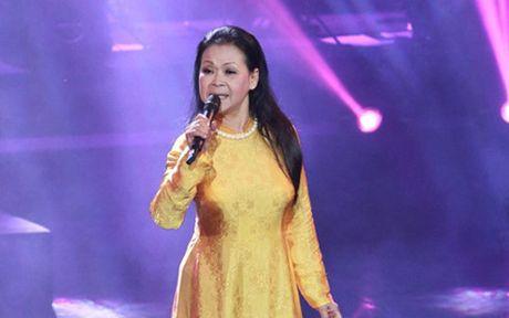 Khanh Ly chinh thuc 'tro lai' TP.HCM sau 41 nam rong ruoi - Anh 1