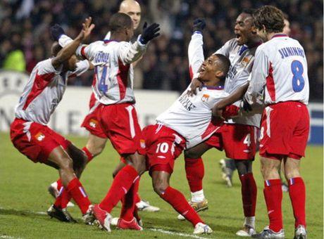 Top 5 tran dau nhieu ban thang nhat tai Champions League - Anh 9