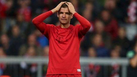 Guc nga tren dat Nga, Bayern Munich chim sau vao khung hoang - Anh 1