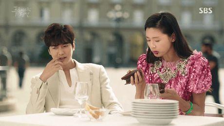Hang hieu cua Joen Ji Hyun trong 'Huyen thoai bien xanh' - Anh 1