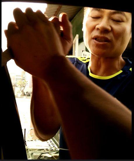 Bi thu Ha Noi yeu cau xu nghiem vu dung dao 'thu tien' trong xe - Anh 1