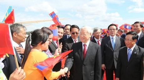 Tong Bi thu tham chinh thuc Lao - Anh 1