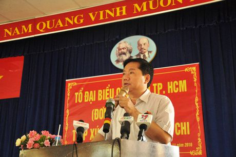 Den truong mam non, Bi thu Dinh La Thang hat cung cac be - Anh 1