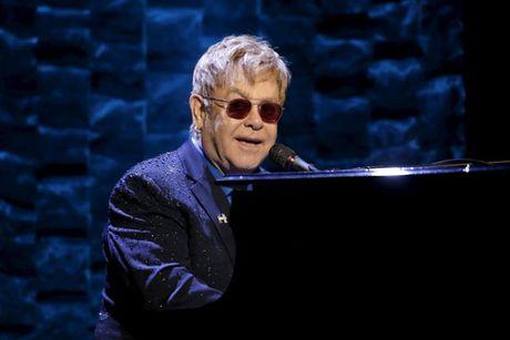 Elton John phu nhan dien tai le dang quang Donald Trump - Anh 1