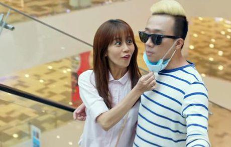 Ban trai Hari Won 'khoa moi' Lilly Nguyen dam duoi - Anh 4