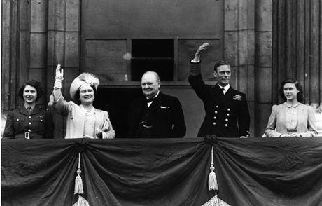 Thoi nien thieu cua Nu hoang Elizabeth II - Ky cuoi - Anh 2