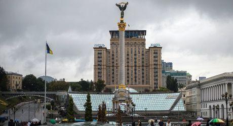 Ba nam sau 'Cach mang Maidan', cai gia Ukraine phai tra la cuoc song cuc toi te - Anh 1