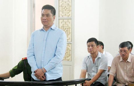 Tong Giam doc chiem doat hang chuc ty dong linh an 15 nam tu - Anh 1