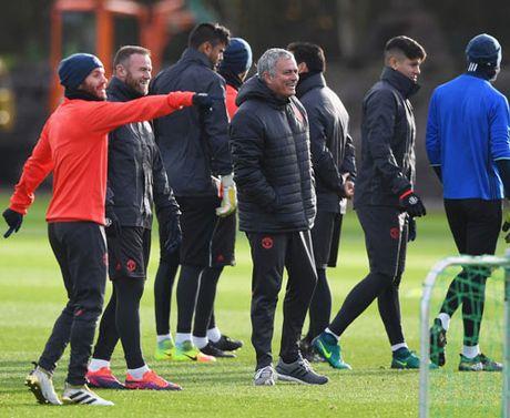 Mourinho: Xay de che MU, can thoi gian nhu Sir Alex - Anh 5