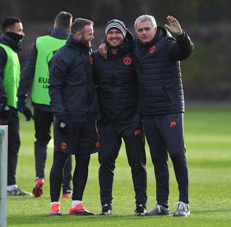 Mourinho: Xay de che MU, can thoi gian nhu Sir Alex - Anh 8