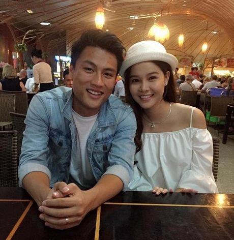 Tin giai tri ngay 24/11: Ky Han sinh con trai; Luu Huong Giang sua mat - Anh 2