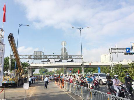 TPHCM xay moi 2 nhanh cau Nguyen Van Cu - Anh 1