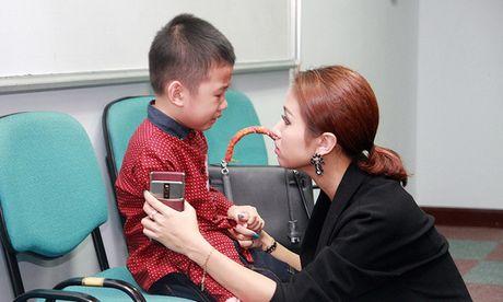 Con trai Van Hugo cung mac sang chan tam ly kho chua - Anh 1