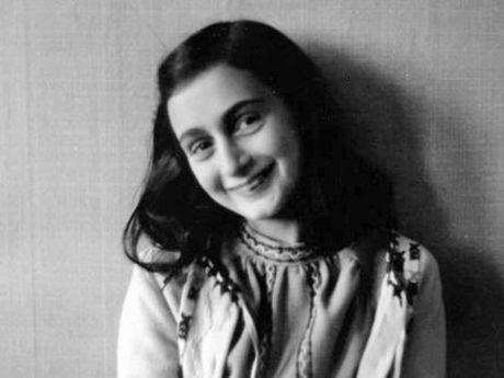 Bai tho viet tay cua Anne Frank duoc ban voi gia hon 3 ty dong - Anh 2