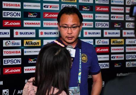 Thua Viet Nam, HLV Malaysia do loi cho thoi tiet - Anh 1