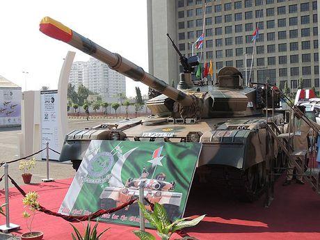 Ukraine va Pakistan hop suc phat trien xe tang Al-Khalid - Anh 1