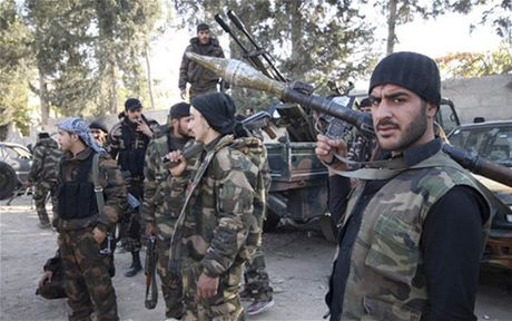 Quan doi Syria tai chiem nhieu vi tri chien luoc tu Damascus toi Quneitra - Anh 1