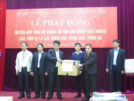 Phat dong ung ho dong bao ngheo cac tinh mien nui, vung sau, vung xa - Anh 3