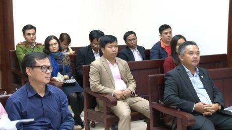 Vu Cong ty Hoai Nam kien UBND tinh Quang Ninh: Hoi y, thoa thuan bat thanh, toa tuyen ngung phien xet xu - Anh 4