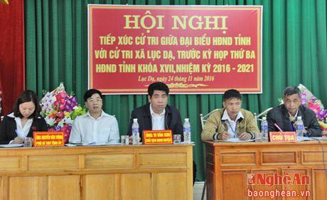 Pho Bi thu Tinh uy Nguyen Van Thong tiep xuc cu tri Con Cuong - Anh 1