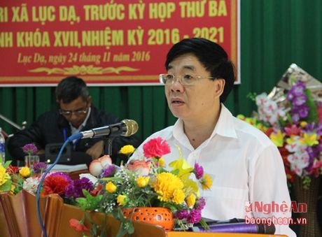 Pho Bi thu Tinh uy Nguyen Van Thong tiep xuc cu tri Con Cuong - Anh 2