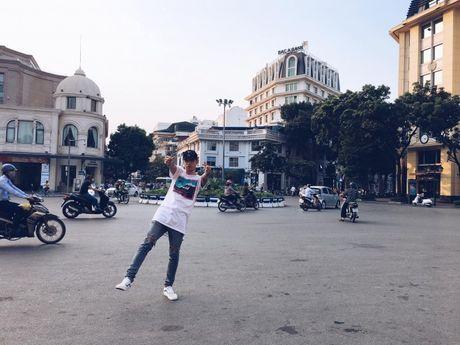 Soobin Hoang Son 'tha thinh' lien tuc hau truong MV 'Phia sau mot co gai' - Anh 5
