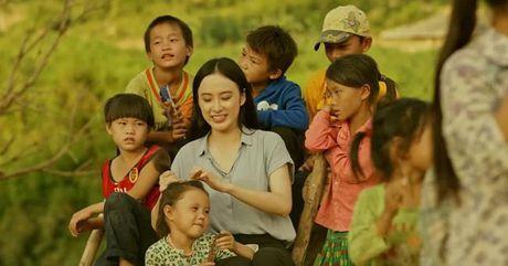 Angela Phuong Trinh: Khan gia con quan tam la con yeu quy - Anh 2