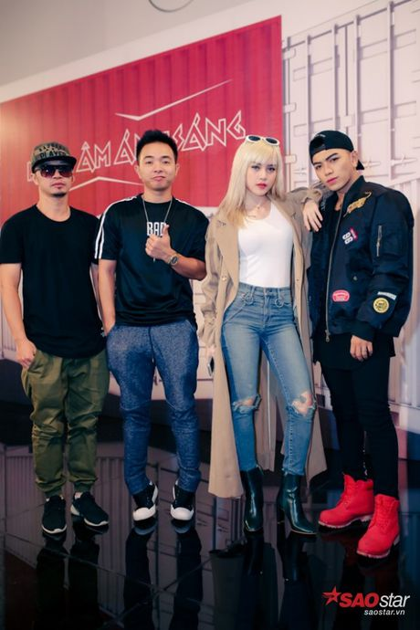 'Ban gai Son Tung' ghi danh The Remix New Generation de khang dinh ban than - Anh 2