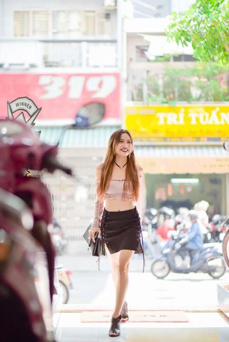 Quynh Chau - Fung La: nhi nhanh do dang, huong dan fan di catwalk - Anh 1