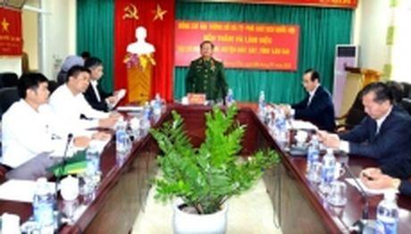 Pho Chu tich Quoc hoi Do Ba Ty kiem tra san xuat sau lu tai Lao Cai - Anh 1
