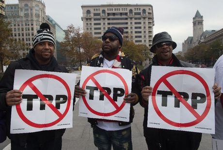 Trump bo TPP, chau A se can gi de thay the? - Anh 1