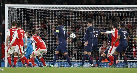 Arsenal cam hoa PSG 2-2 nho an va va phan luoi nha - Anh 10